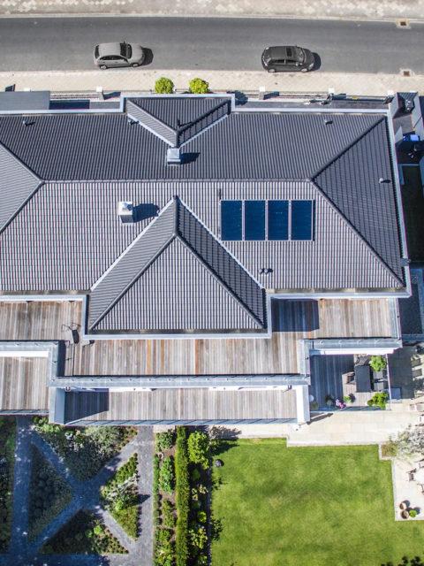 Dach von Wohnhaus mit Eigentumswohnungen in Lüneburg vermarktet durch Sallier Immobilien