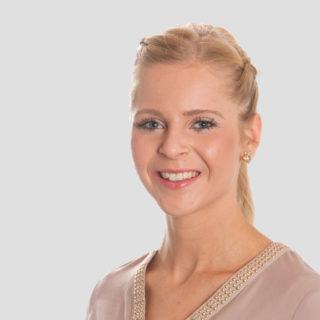 Sallier Immobilien Mitarbeiterin Verkauf und Projektentwicklung Jasmin Engelmann Immobilienkauffrau
